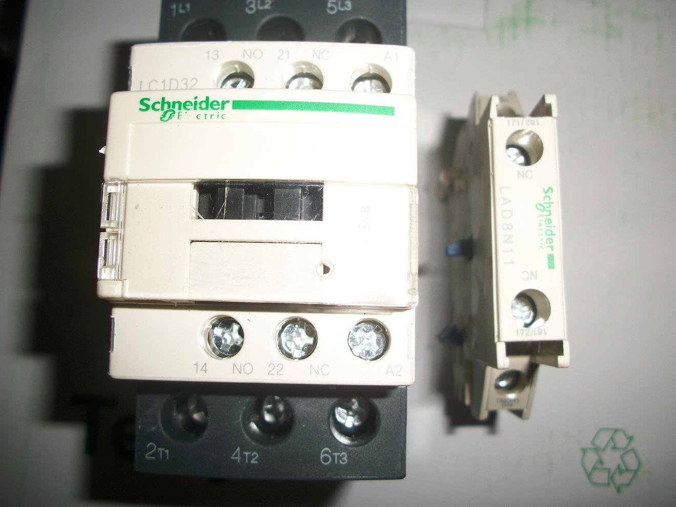 施耐德交流接触器lc1-d09/d12/d18